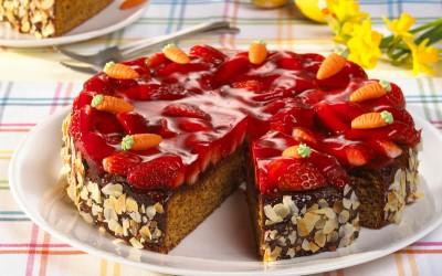 Erdbeer-Möhren-Kuchen