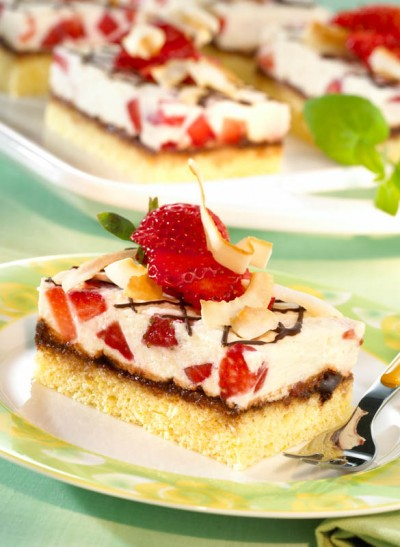 Erdbeer-Kokos-Schnitten
