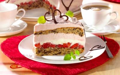 Feine Erdbeer-Frischkäse-Torte