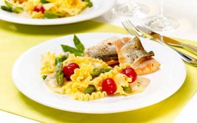 Saiblingsfilet mit Lasagnette und Frühlingsgemüse