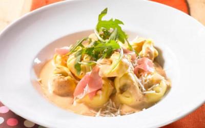 Tortellinipfanne mit Parmaschinken