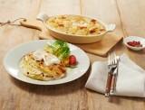 Kartoffelgratin mit Kräutern und Chavroux Weichkäserolle