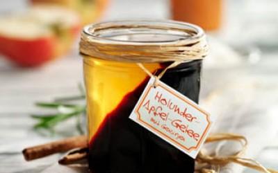 Geschichtetes Holunder-Apfel-Gelee mit Gewürzen