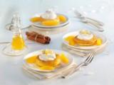Orangen-Savarin mit Zimtsahne