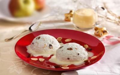 Bratapfel-Mousse mit Vanillesoße