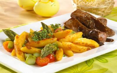 Gekräutertes Lammfilet mit Spargel-Kartoffelnudeln