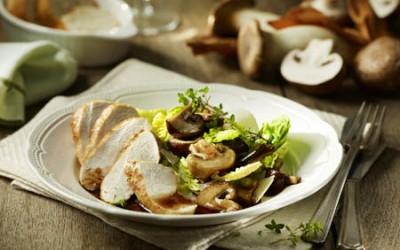 Gebackene Hähnchenbrust an Römer-Pilz-Salat