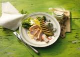 Romanasalat mit Putensteaks und gegrillter Melone