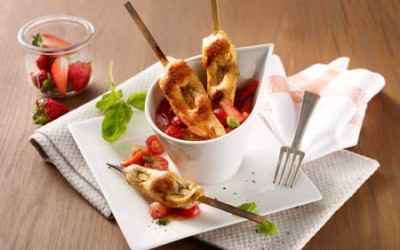 Hähnchen-Satéspieße mit Erdbeer-Tomaten-Relish