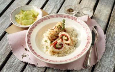 Putenschnitzelröllchen mit Paprika-Pesto-Füllung