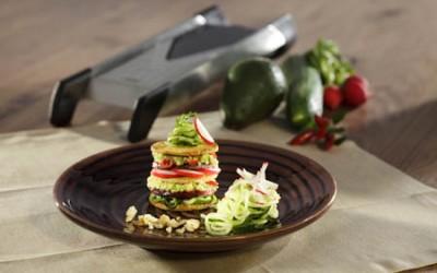 Tofu-Avocado-Törtchen mit japanischem Gurkensalat