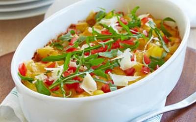 Mediterranes Bolognese-Gratin mit Kartoffeln