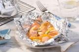 Fruchtige Lachspäckchen vom Grill