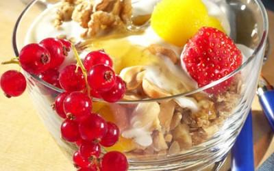 Müsli mit Honig-Nuss-Joghurt