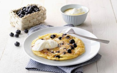Blaubeer-Pancakes mit Vanille-Sahne-Quark
