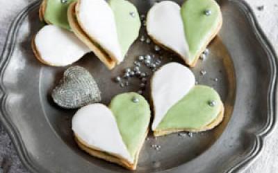 Shortbread-Herzen mit Matcha-Ganache