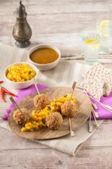 Geflügel-Croustillant mit Mango-Ananas-Chutney