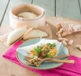 Bao Bun mit Thaisalat und Erdnuss Pesto