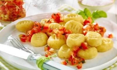 Gnocchi mit Tomatensalsa
