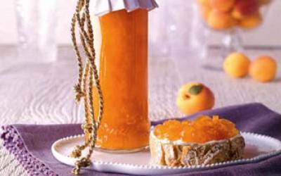 Goldige Aprikosenkonfitüre