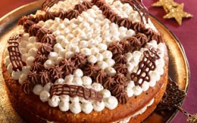 Fruchtige Mandel-Torte mit Sahnecreme