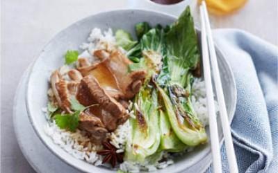 Jasmin-Reis mit Rippchen süß-sauer