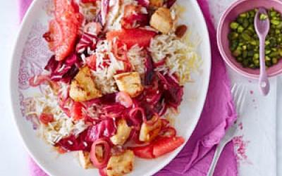Reissalat mit Radicchio, Hähnchenfleisch und Pink Grapefruit