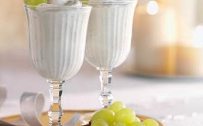 Fruchtige Weißwein-Mousse