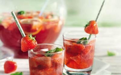 Erdbeer-Basilikum-Bowle