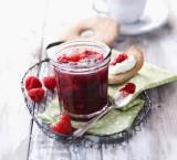 Leichte Erdbeer-Himbeer-Vanille-Konfitüre