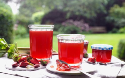 Rhabarber-Erdbeer-Gelee mit Prosecco
