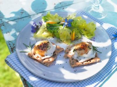Karamellisierter Ziegenkäse mit Salat