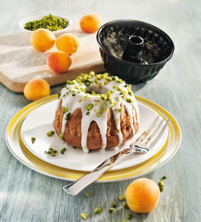 Aprikosen-Marzipan-Gugelhupf