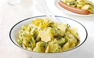 Festtags-Kartoffelsalat mit Käsesternen